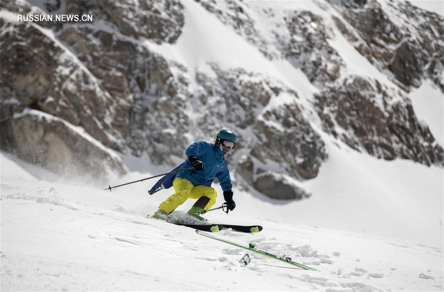 Альпинизм -- Международные соревнования по лыжному спорту и альпинизму на пике Ганшиця -- 2017: обзор предстартовой тренировки