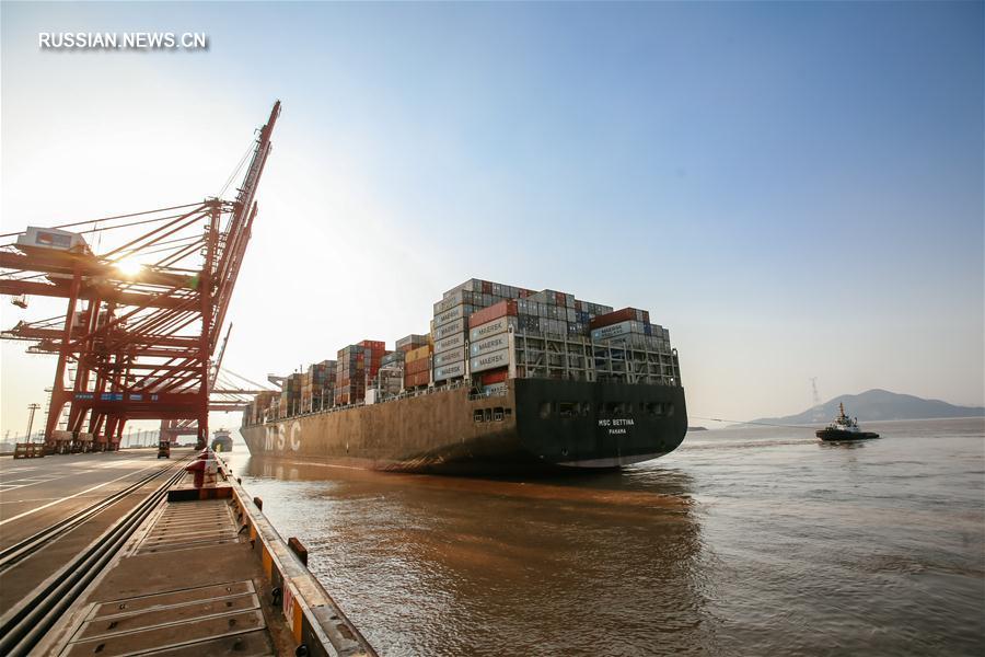 """Порт Нинбо-Чжоушань -- важный опорный пункт """"Пояса и пути"""""""