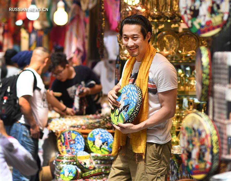 Международный большой базар в Урумчи переживает туристический бум