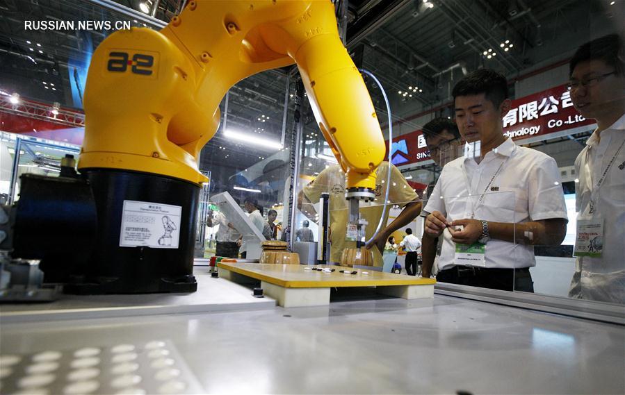 В Шанхае открылась выставка роботов