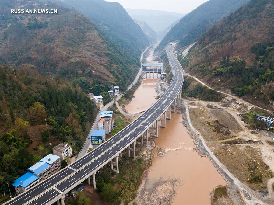 Строительство чунцинского участка скоростного шоссе Ваньчжоу -- Личуань вошло в финальную стадию