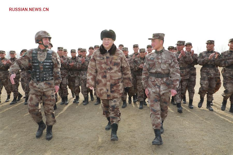 Си Цзиньпин проинспектировал одну из дивизий в Центральной зоне боевого командования НОАК