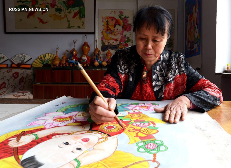 Хуан Ин -- хэбэйская рисовальщица традиционных новогодних картинок няньхуа