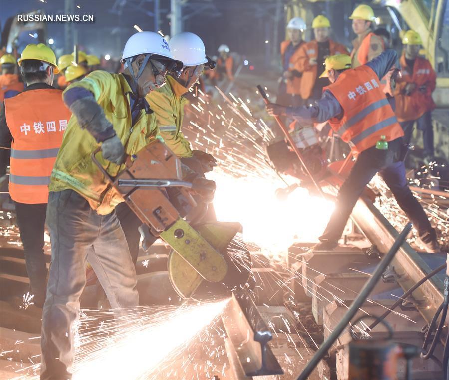 1500 рабочих за 8,5 часа построили развязку на ж/д станции в городе Лунъянь провинции Фуцзянь