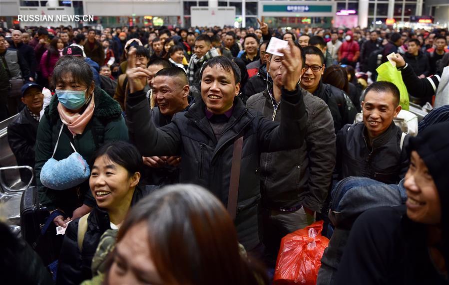 В Китае стартовал Чуньюнь - сезон новогодних пассажироперевозок