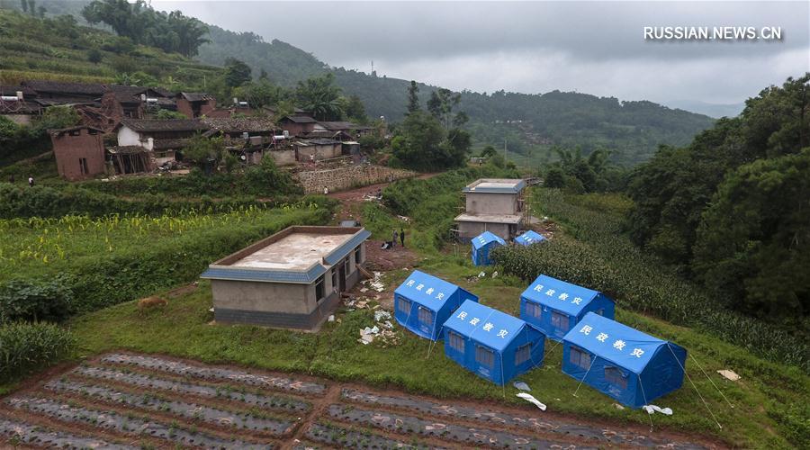 В пострадавшем от землетрясения уезде Моцзян провинции Юньнань продолжаются спасательные работы
