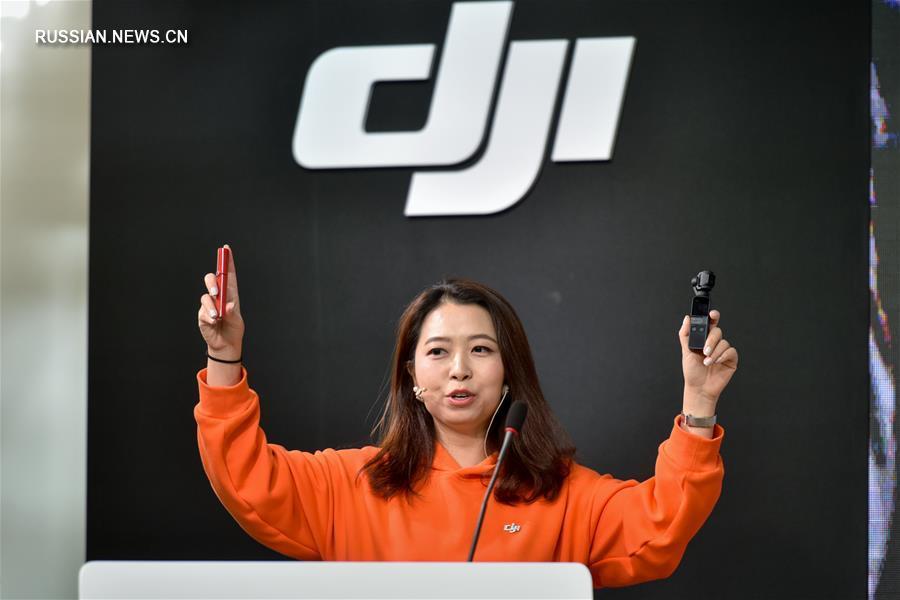 Компания DJI представила новую карманную камеру со стабилизатором