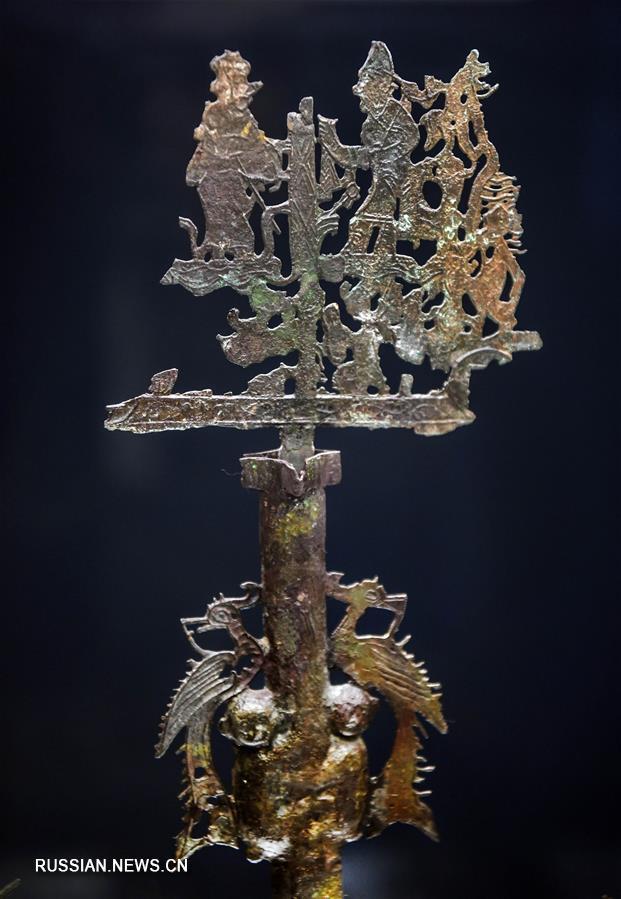"""""""Денежное дерево"""" эпохи Восточной Хань выставляется в провинции Шэньси"""