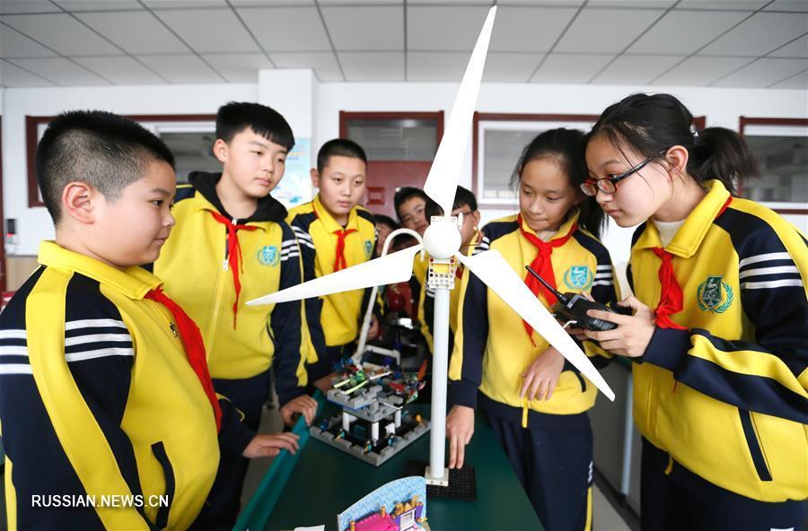 Школьный фестиваль науки и техники в Циндао