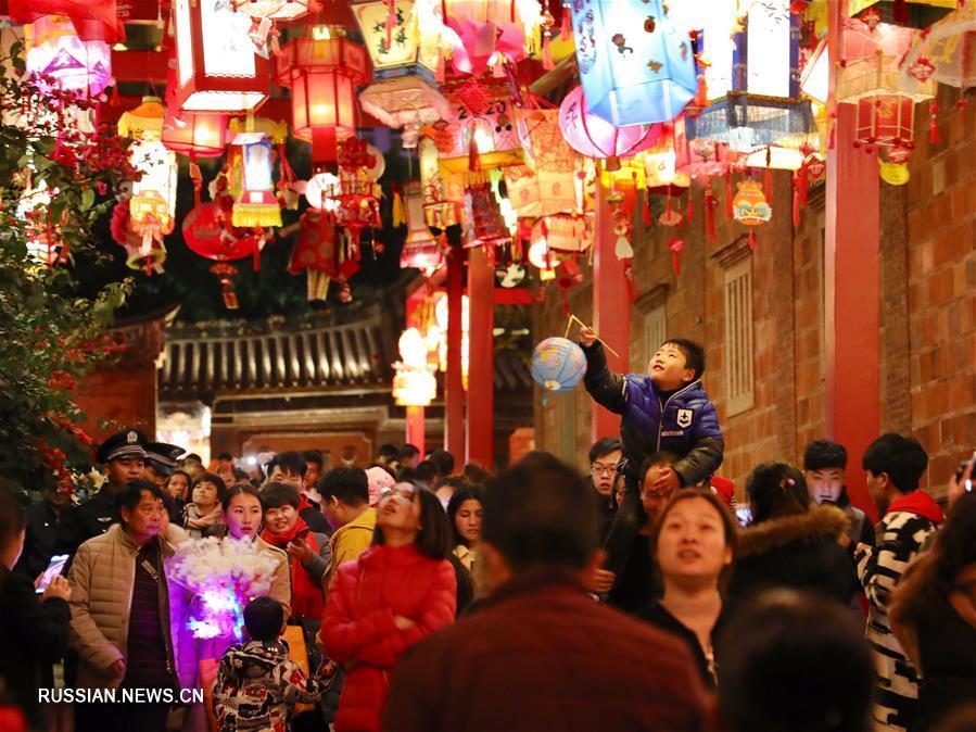 Красочные кварталы фонарей в провинции Фуцзянь