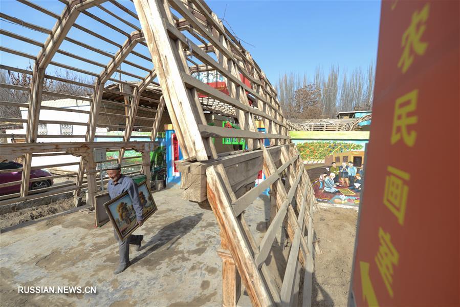Художник из синьцзянской деревни следует за своей мечтой