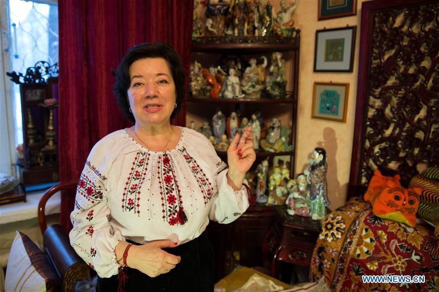 """(国际·图文互动)(1)专访:""""我把中华文化搬回了家""""——访俄罗斯汉学家伊萨耶娃"""
