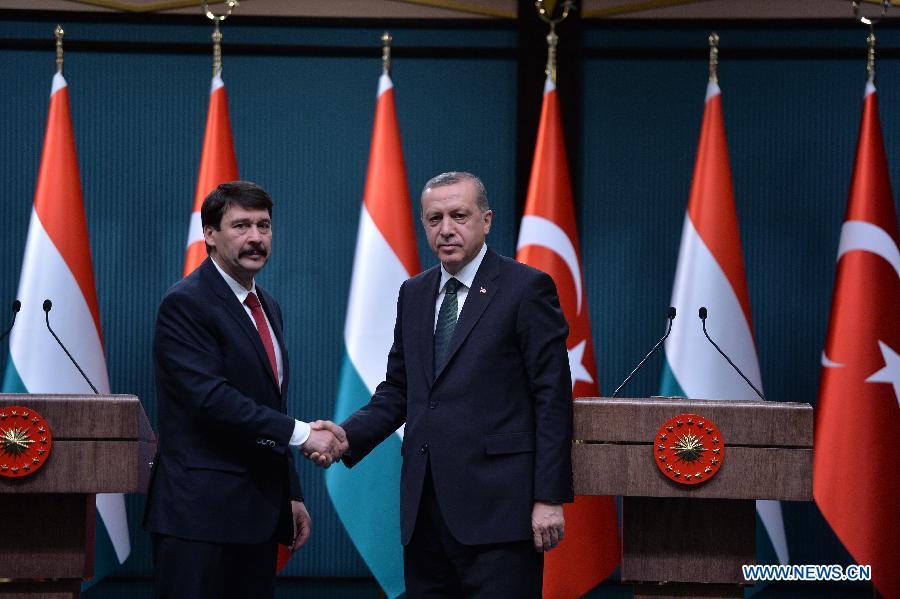Турция и Венгрия будут укреплять сотрудничество в развитии энергетики