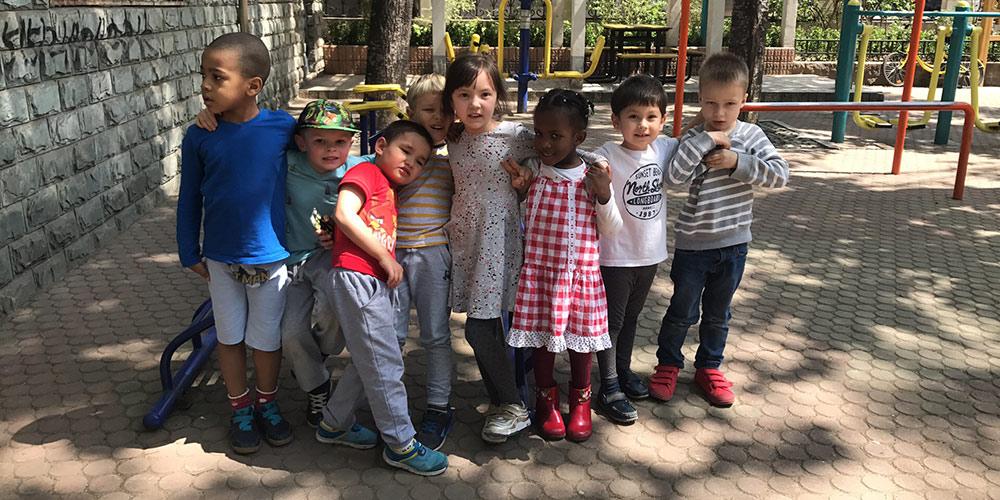 С детства одной дорогой: Как россиянка создала в Пекине детский сад и турклуб
