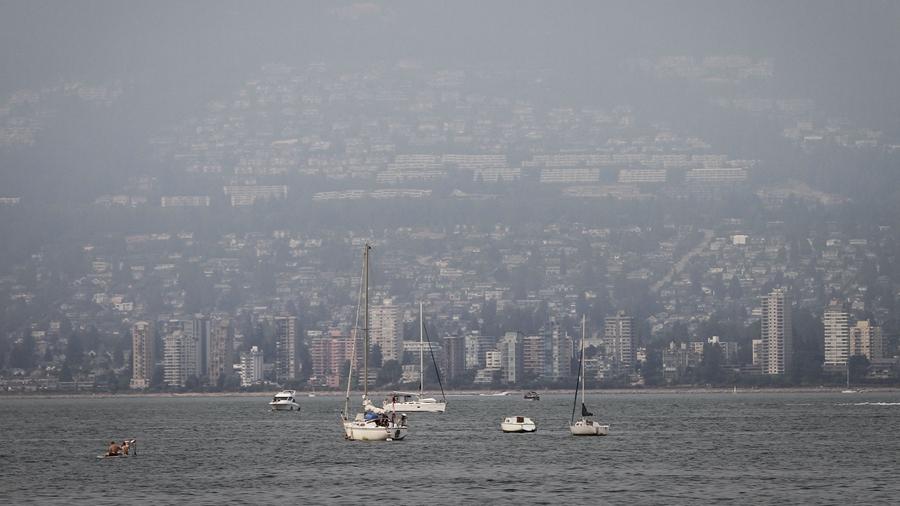 Канадский город Ванкувер окутан дымом из-за лесных пожаров