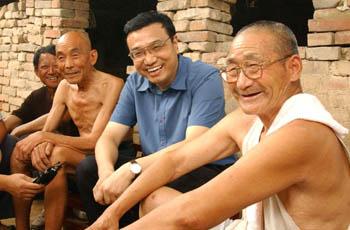 Ли Кэцян, который всегда ставит народ на первое место