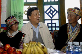 Лю Юньшань -- от простого корреспондента до члена высшего руководства КПК