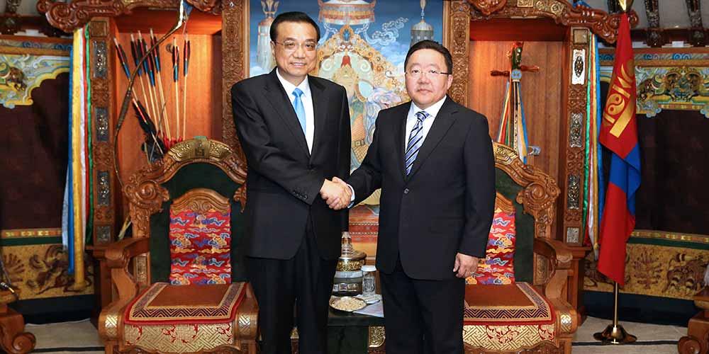 Ли Кэцян встретился с президентом Монголии