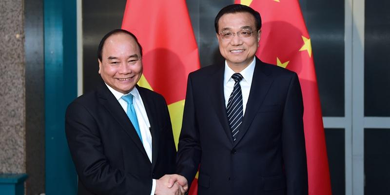Ли Кэцян встретился с премьер-министром Вьетнама