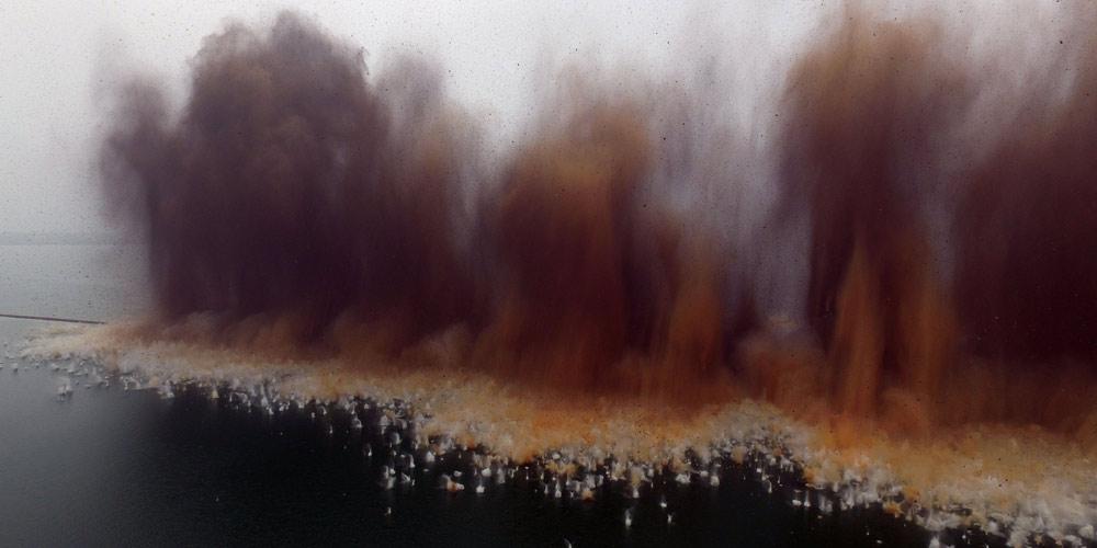 В Хубэе в рамках борьбы с наводнениями взорвали дамбу на озере Лянцзыху