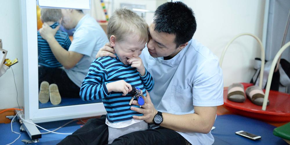 Дети с ДЦП приезжают из России лечиться в Харбин