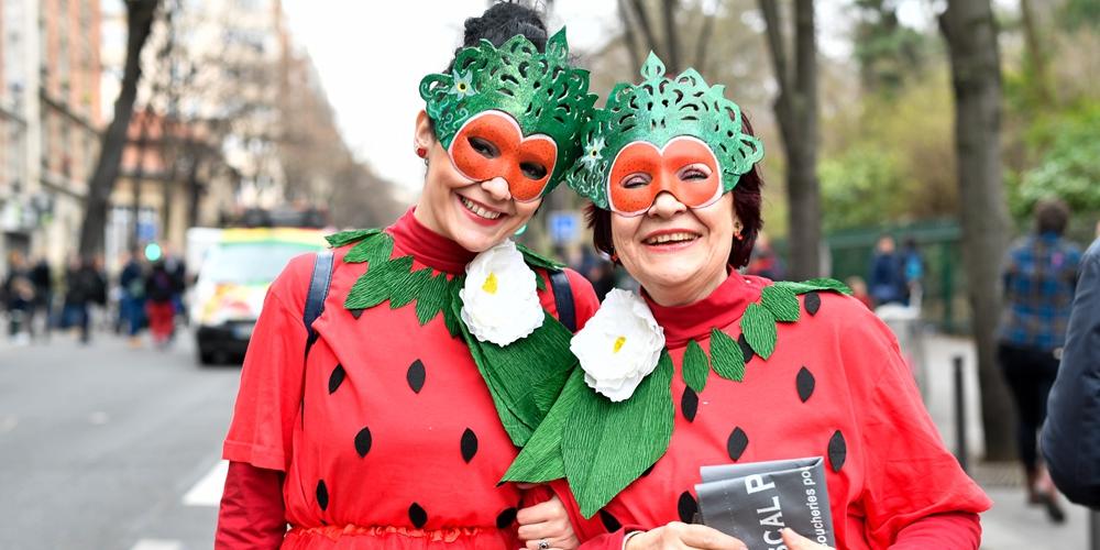 Красочный карнавал в Париже