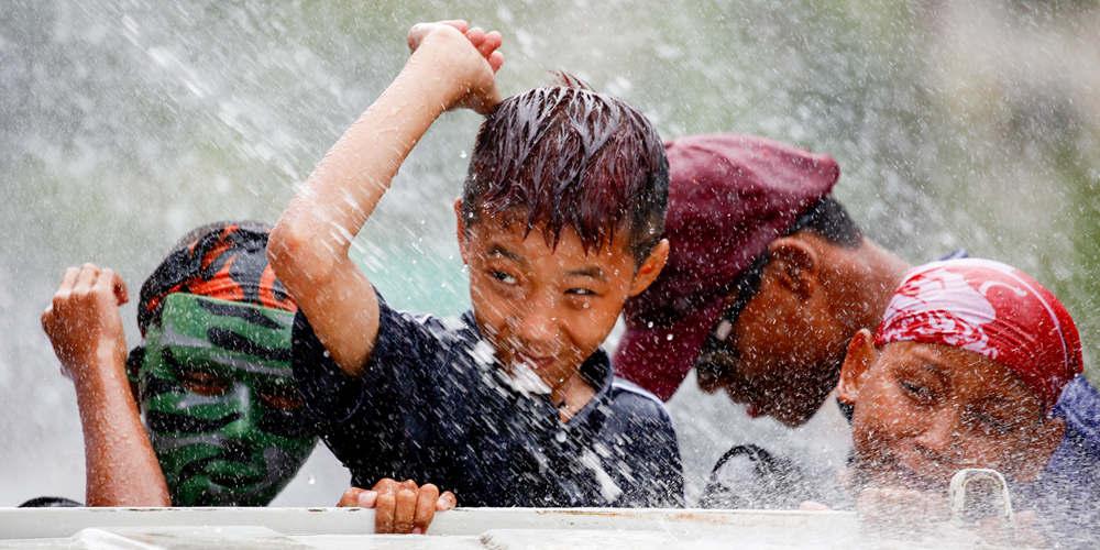 Фестиваль обливания водой в Янгоне
