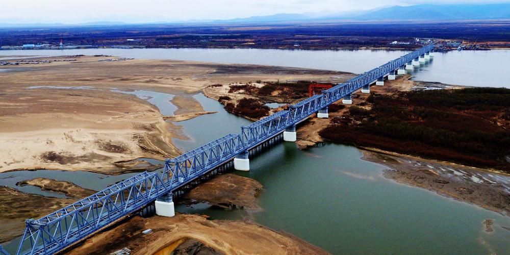 Строительство железнодорожного моста на российско-китайской границе в провинции Хэйлунцзян
