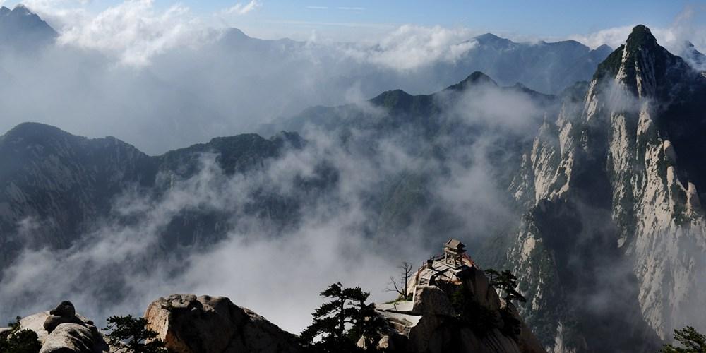 Легендарная гора Хуашань на северо-западе Китая
