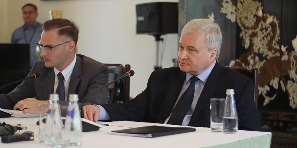 Посол РФ в КНР: России и Китаю нужно переходить от торговли товарами к торговле инвестиционными проектами