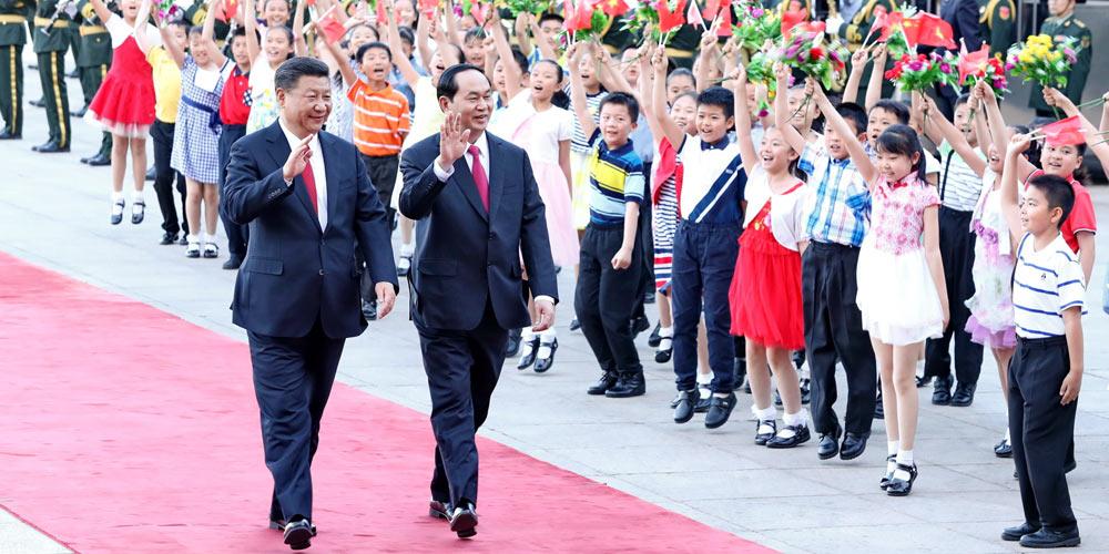 Си Цзиньпин провел переговоры с президентом Вьетнама