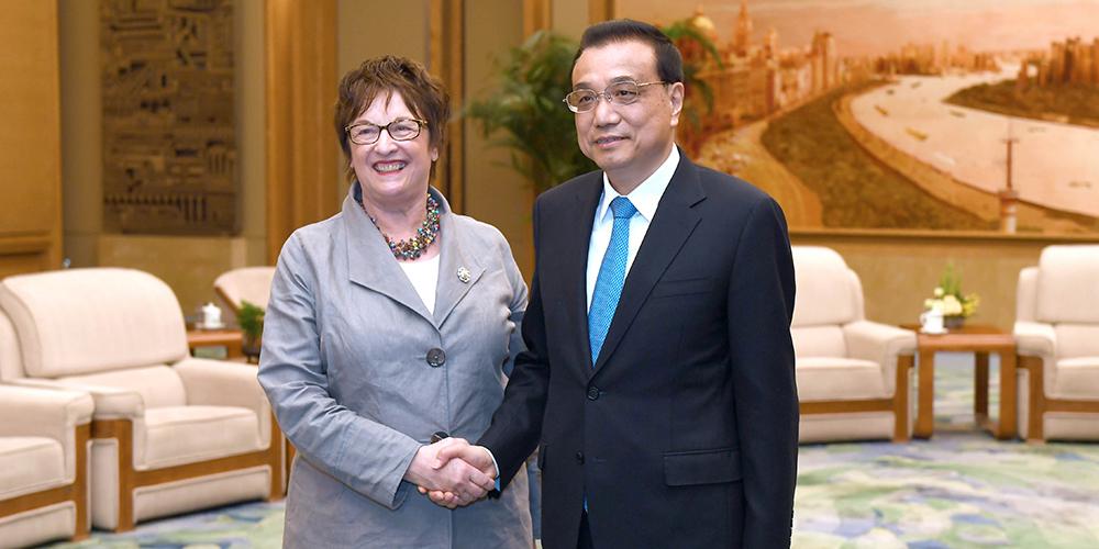 /Пояс и путь/ Ли Кэцян встретился с министром экономики и энергетики Германии Б. Циприс