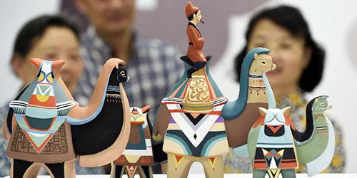 Наследник традиций создания глиняных игрушек из провинции Чжэцзян