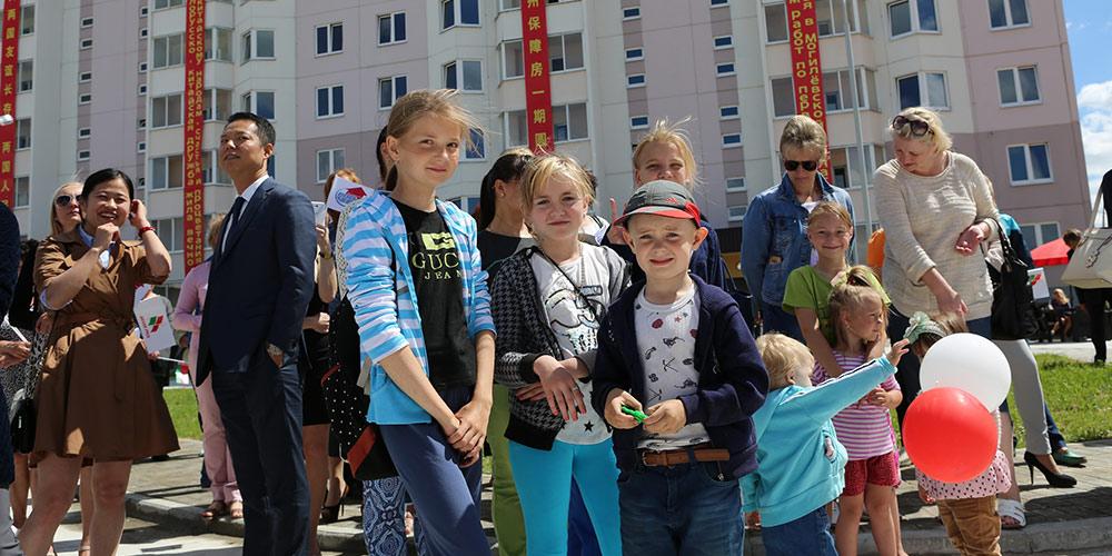 В белорусском Могилеве сданы в эксплуатацию построенные при помощи Китая три дома  с социальным жильем