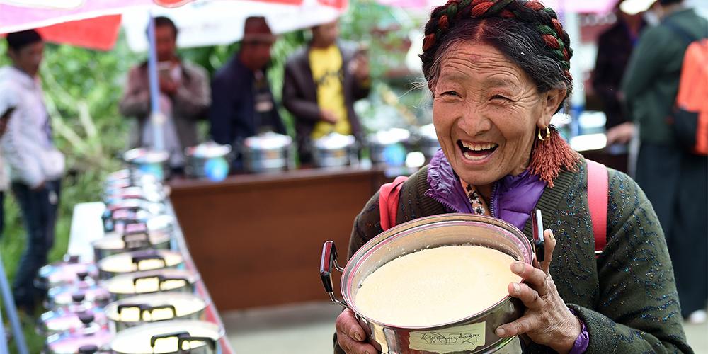Дегустация простокваши и йогурта в Лхасе