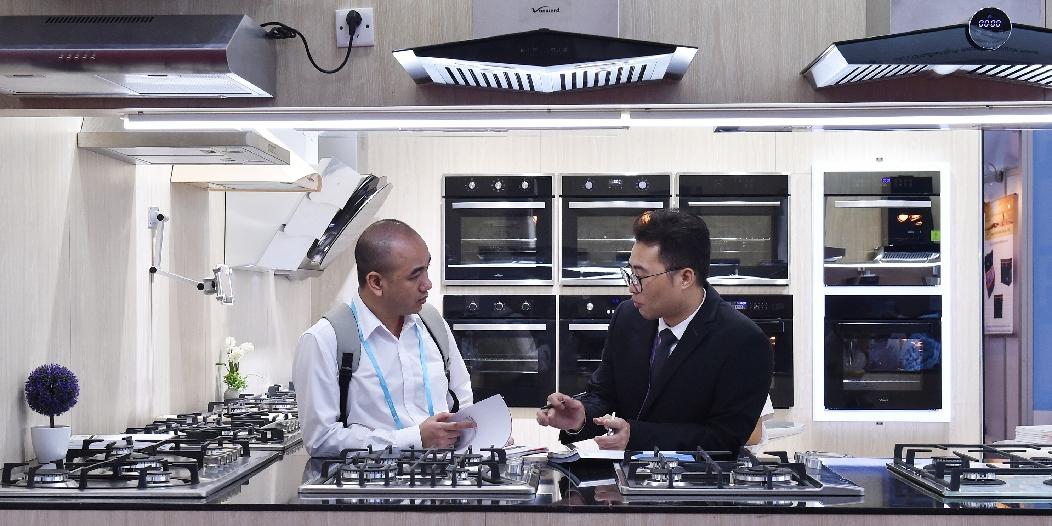 В Гуанчжоу открылась 122-я Китайская ярмарка импортных и экспортных товаров