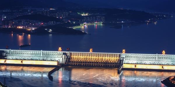 """Уровень воды в водохранилище крупнейшего гидроузла """"Санься"""" приближается к НПУ —  175 м"""