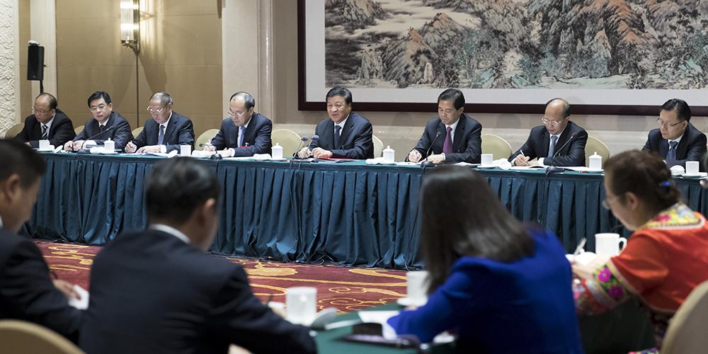 Лю Юньшань указал на важность добросовестного изучения идей Си Цзиньпина о социализме  с китайской спецификой новой эпохи