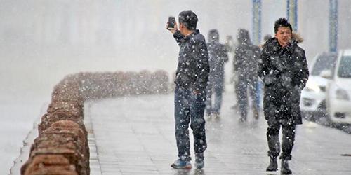 Первый снегопад прошел в восточнокитайском городе Яньтай