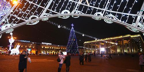 В Минске открылась рождественская ярмарка