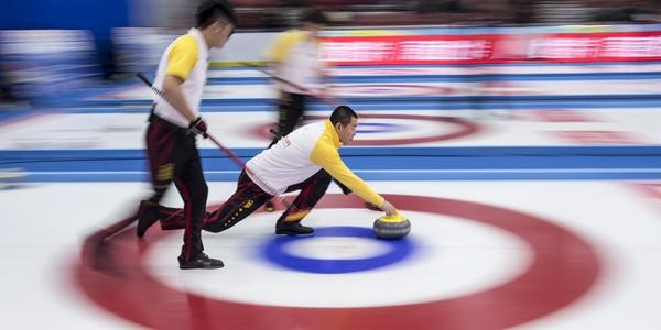 Международный турнир по керлингу в Доба: сборная Китая обыграла шведов