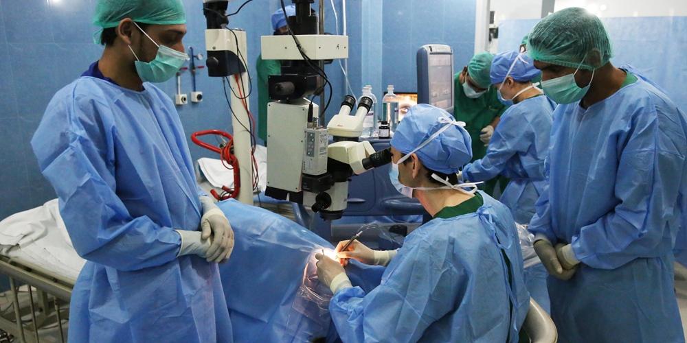 """Благотворительная """"Акция света"""" китайских офтальмологов в Пакистане"""