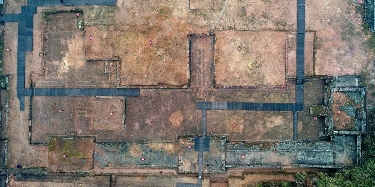 Китайские археологи обнаружили развалины самого крупного и высокого по рангу даосского храма из всех найденных ранее