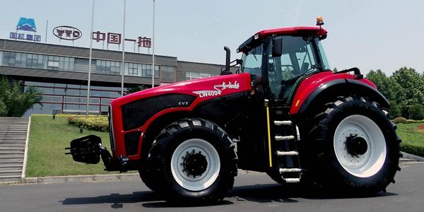 Первый тяжелый трактор мощностью 400 л.с. с плавным переключением скоростей в Китае