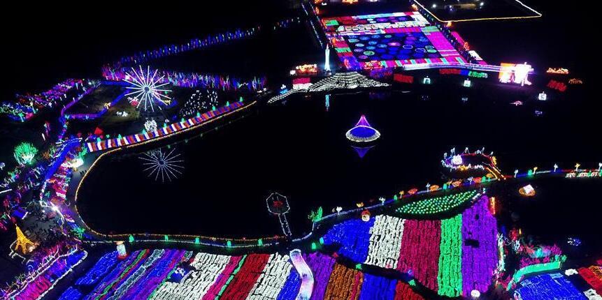 Цветные фонарики в провинции Хэбэй