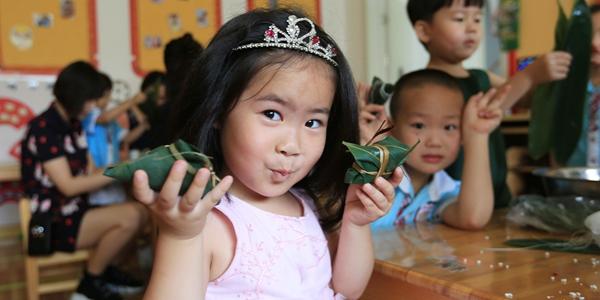 Предпраздничные мероприятия в детсадах и школах Китая