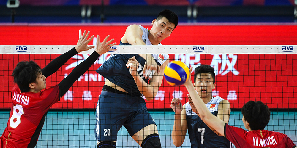 Китайские волейболисты победили сборную Японии в матче Лиги наций в Цзянмэне