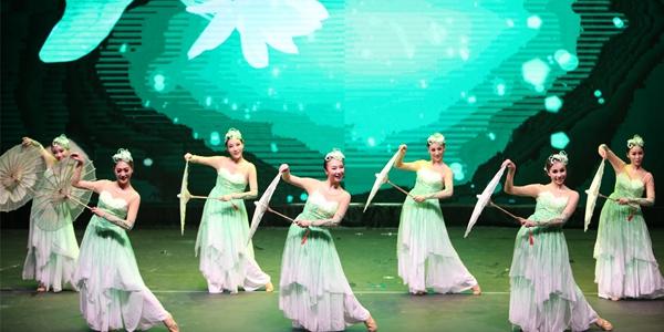 Китайские артисты выступили на музыкальном фестивале в Кувейте