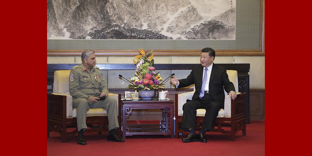 Си Цзиньпин провел переговоры с начальником штаба сухопутных войск Пакистана К.Д.Баджвой