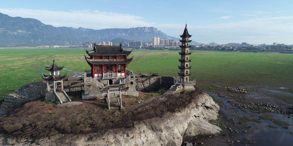 Мелководье на озере Поянху в провинции Цзянси